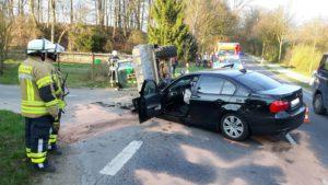image 1 3 300x169 - Verkehrsunfall: BMW kollidiert mit Radlader