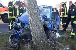 image 2 1 300x199 - Schwerer Verkehrsunfall zwischen Horneburg und Issendorf