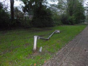 pol bi vandalismus im park 1 300x225 - Erst Bagger geklaut und dann ein Park verwüstet