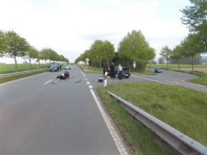pol mi kradfahrer bei verkehrsunfall schwer verletzt 300x225 - Kradfahrer bei Verkehrsunfall schwer verletzt