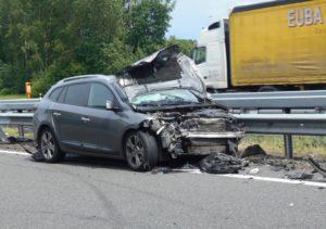 pol row zehn kilometer stau nach unfall auf der hansalinie aufsitzsmaeher der schule gestohlen viele 1 300x211 - Zehn Kilometer Stau nach Unfall auf der Hansalinie
